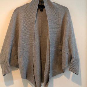 St. John Cashmere Shrug style Cardigan • Grey•